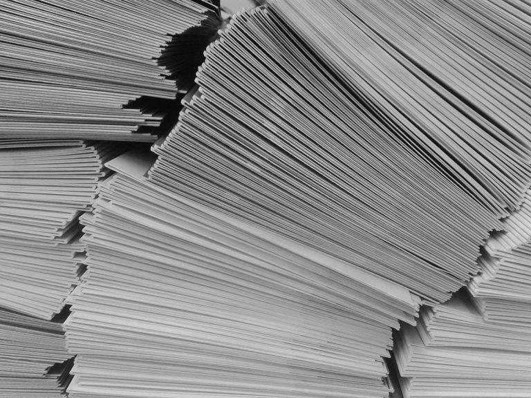 Czy warto zakupić koperty z nadrukami?