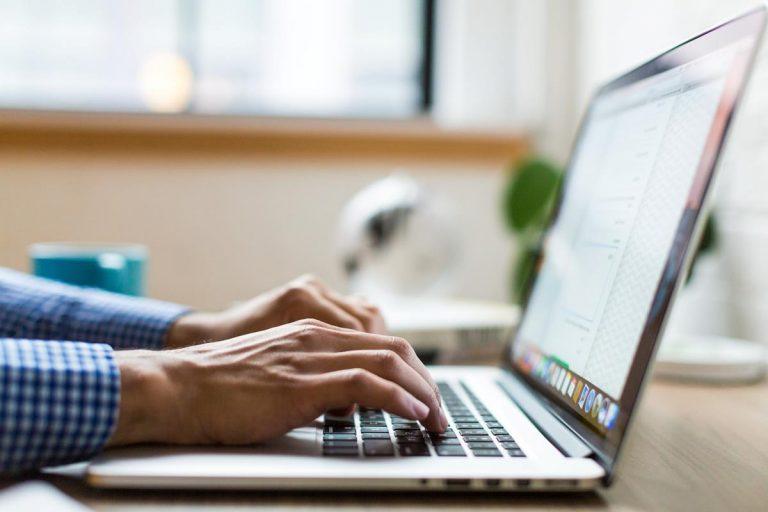 Przekształcenie ambicji w złoto marketingu internetowego
